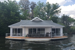 Prive Houseboat